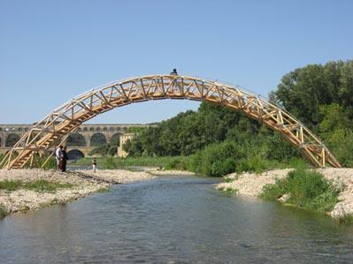 Paper Bridge sul fiume Gardon (Francia, 2007)